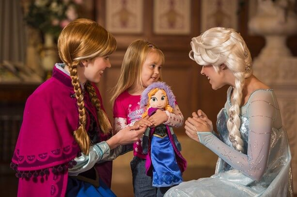 meeting Elsa and Anna at Disney World