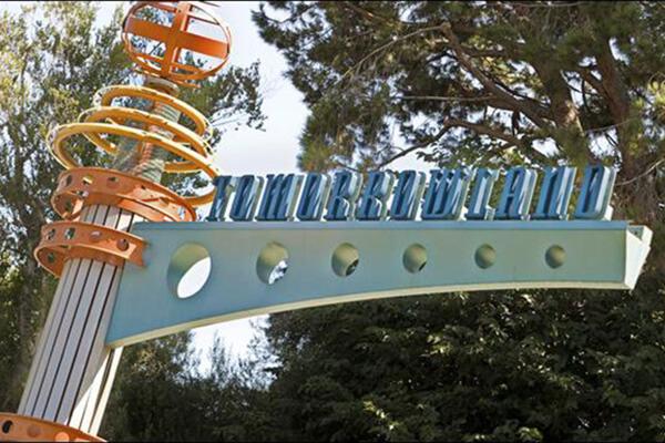 Disneyland railroad tomorrowland disneyland discount tickets