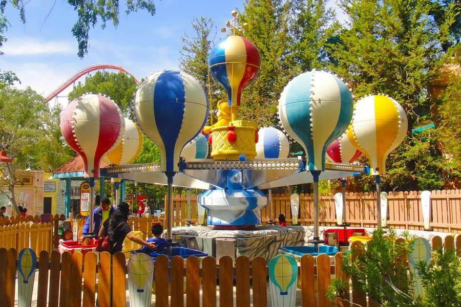 Elmer S Weather Balloons Six Flags Magic Mountain
